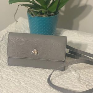 NWT Tommy Hilfiger Wallet Purse Heey